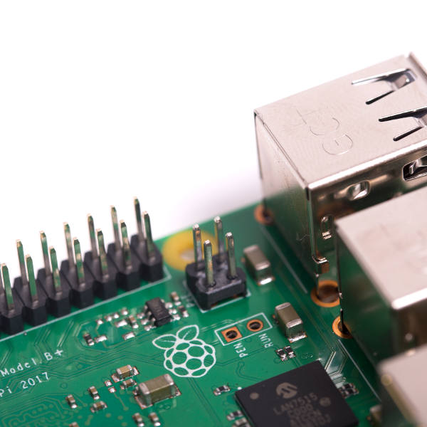 Raspberry Pi 3 Model B+ PoE pinleri